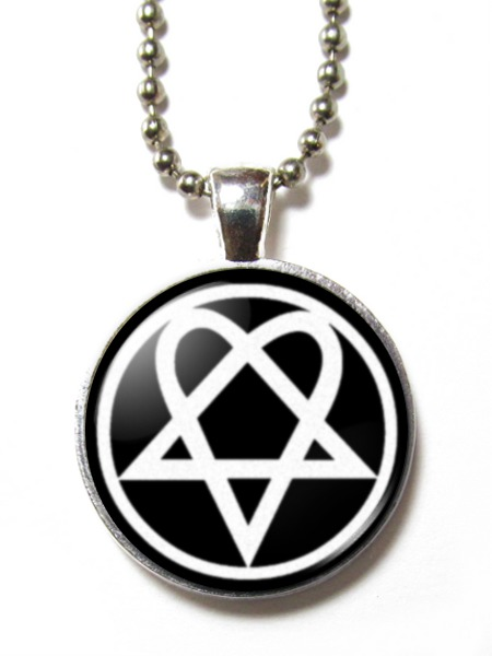 Magneclix magnetic pendant heartagrampentagram gothemo ebay magneclix pendant aloadofball Image collections